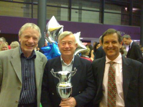 Ian with Roger Dudley (left) ex-chairman and Rob Hildick (right) current chairman of the club.